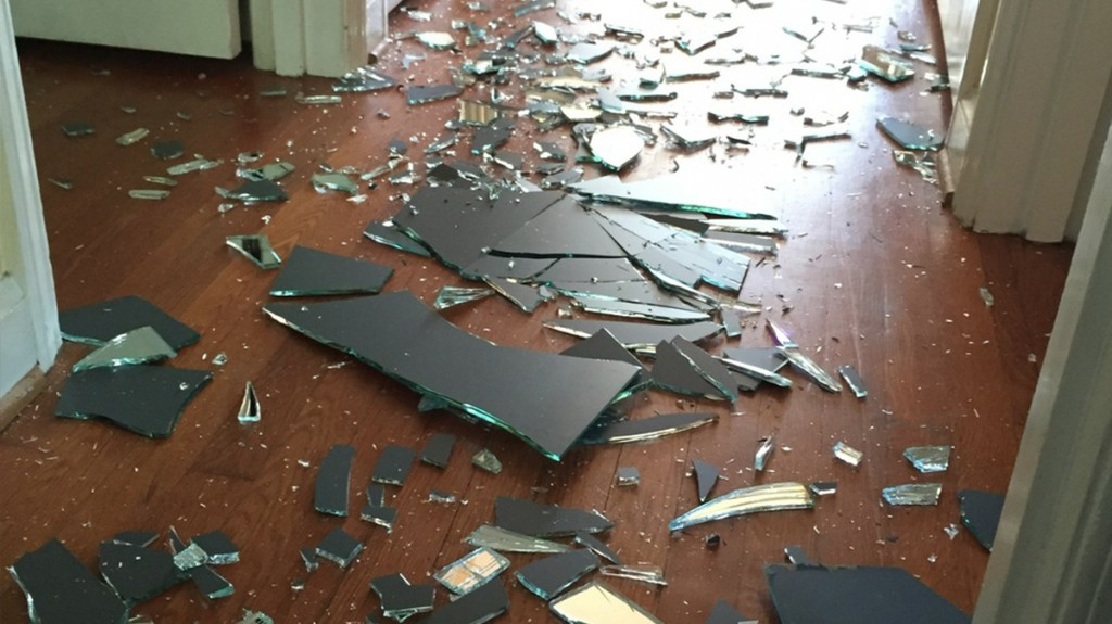 Her Young Son Breaks Bathroom Mirror In Fit Of Rage Mom 39 S